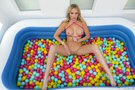 Ball Pit Fun! picture 13
